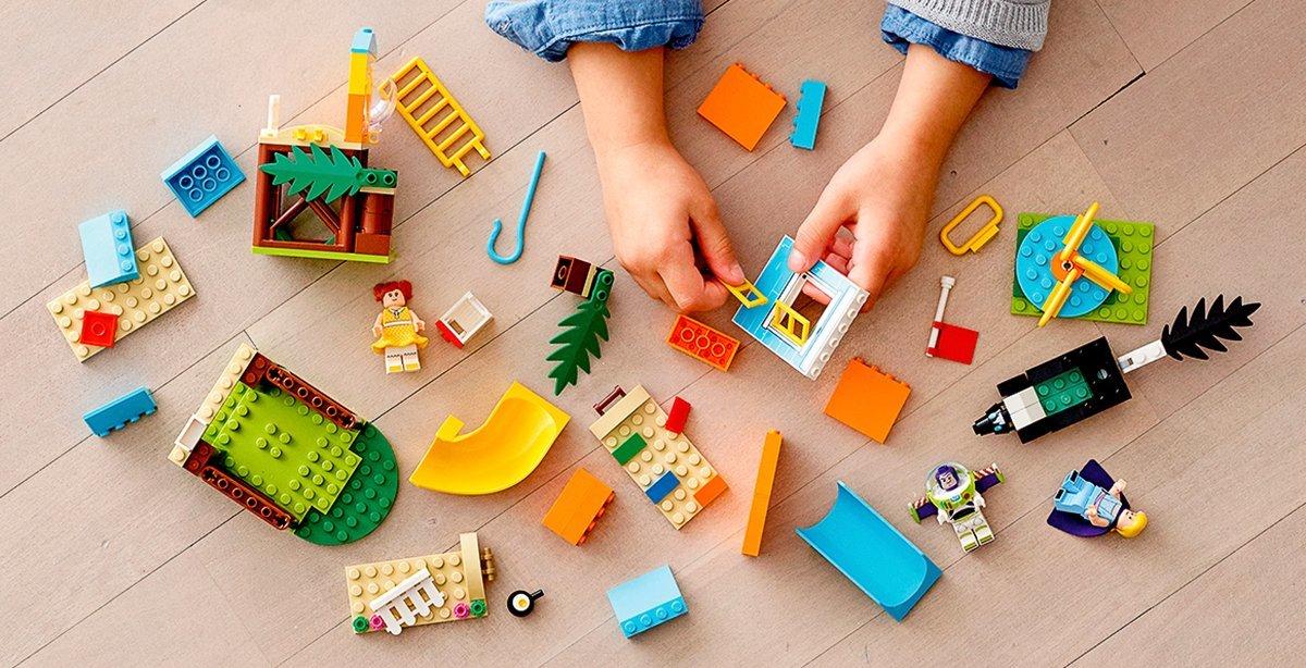 Купить LEGO® Juniors Приключения Базза и Бо Пипа на детской площадке 10768 10768 ТМ: LEGO
